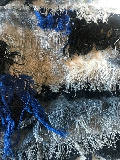 Creating the fabric from several frayed edges – Project going circular going cellulose