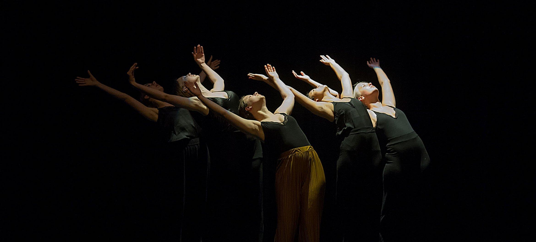 Leerlingen van de ArtEZ Vooropleiding Dans Enschede in Concordia. Fotograaf: B. Holtmann