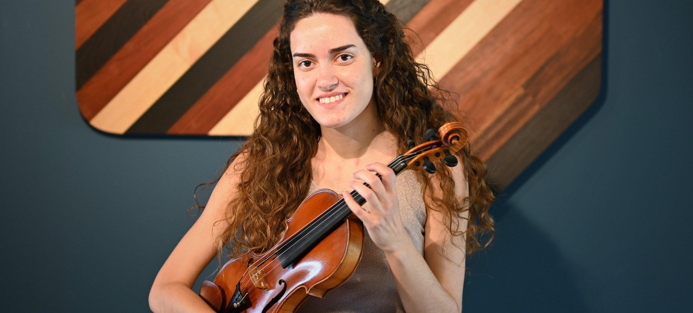 Beeld: NPO Radio 4 | Eva Ortells Pacheco te gast bij NTR Podium